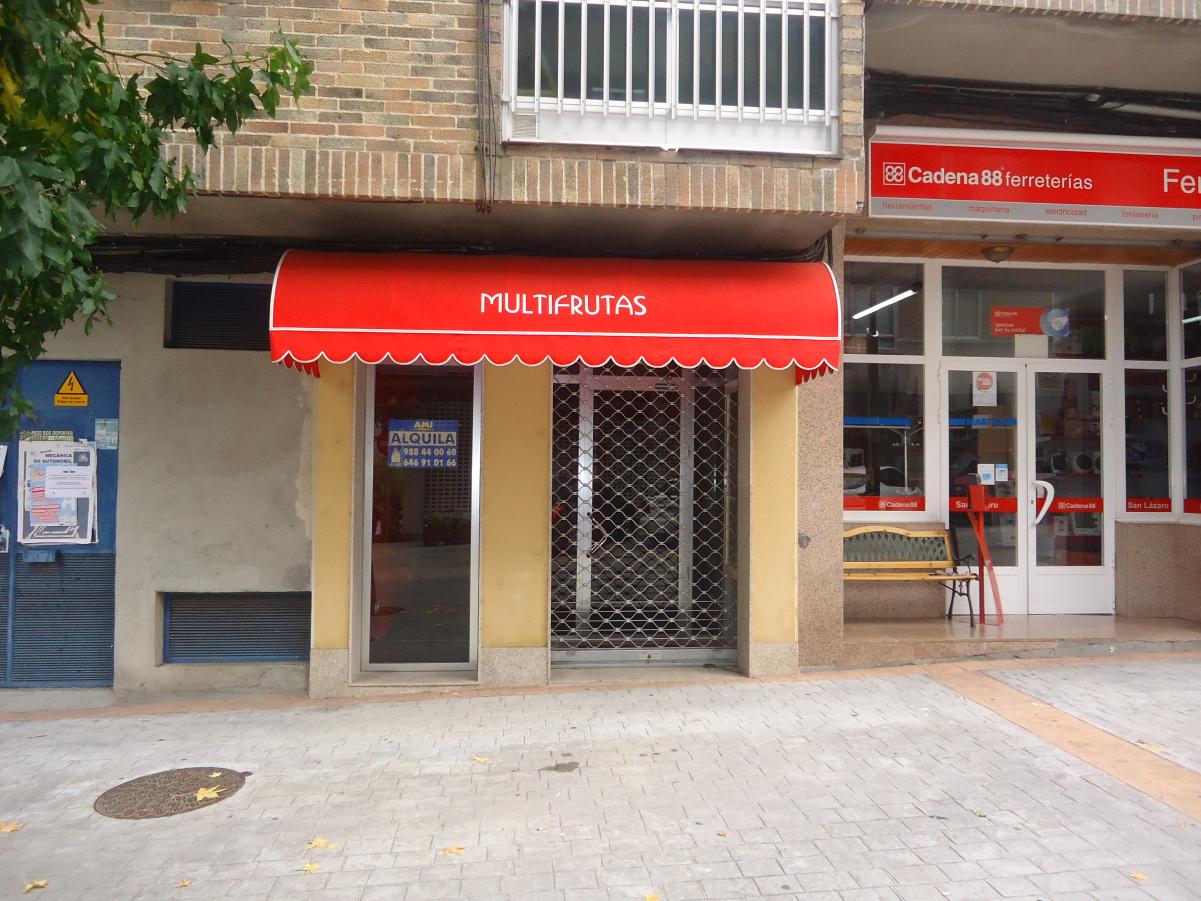 Bajo Comercial Rúa Oliveira